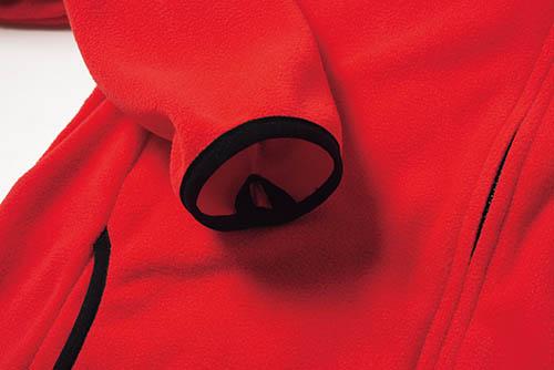 袖、裾部分はニットバインダー仕様