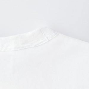 あえて重ねて縫製することにより、ヴィンテージ感を演出