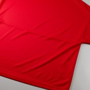 背面の中央に切り替えあるため、中央より上または下のプリントをオススメ致します。