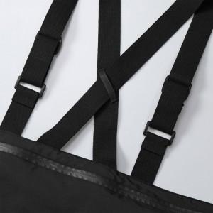ショルダーテープの背面にはベルト通しも付いてます。