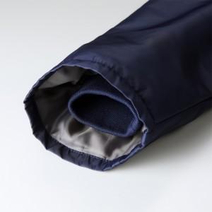 袖口リブは袖の内側に入れることで防風性能を確保