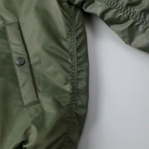本格仕様のパッカリングが入った立体感のある縫製仕立て