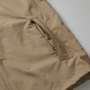サイドポケットはYKK社製のビスロンファスナー付き、ジッパー・フライ仕様